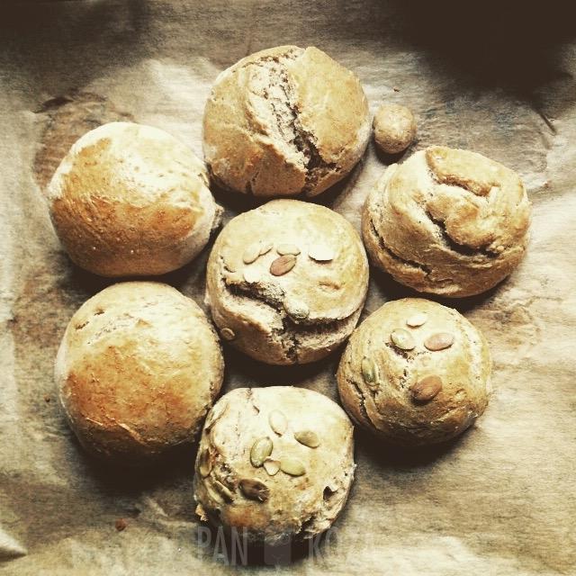 Bułeczki pszenno-żytnie, wypieczone w sobotę!